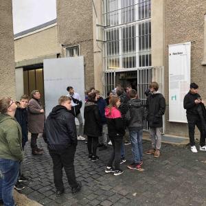 Besuch-der-Gedenkstaette-Hohenschoenhausen