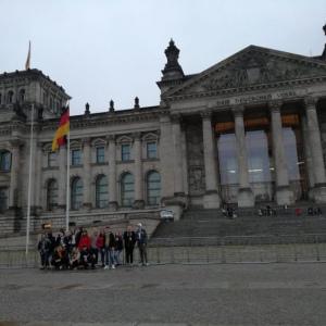 Der-Reichstag-im-Regen
