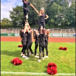 Cheer-Stunt